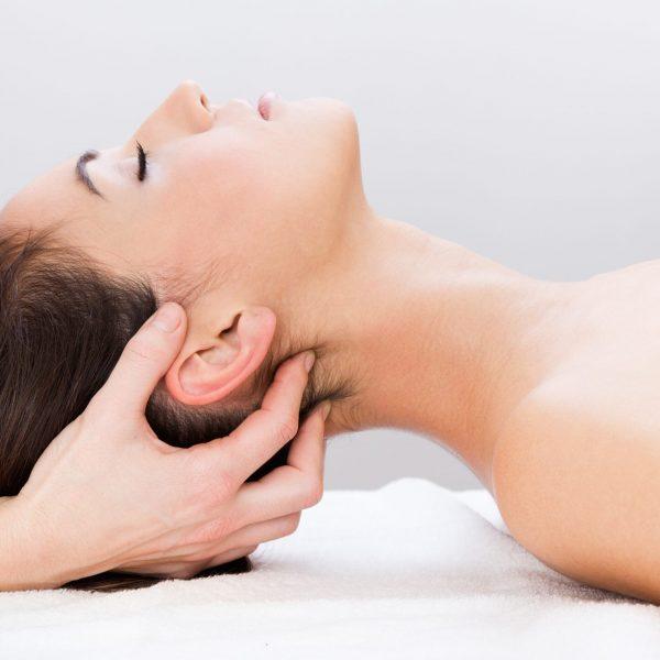 hands on lady neck massage